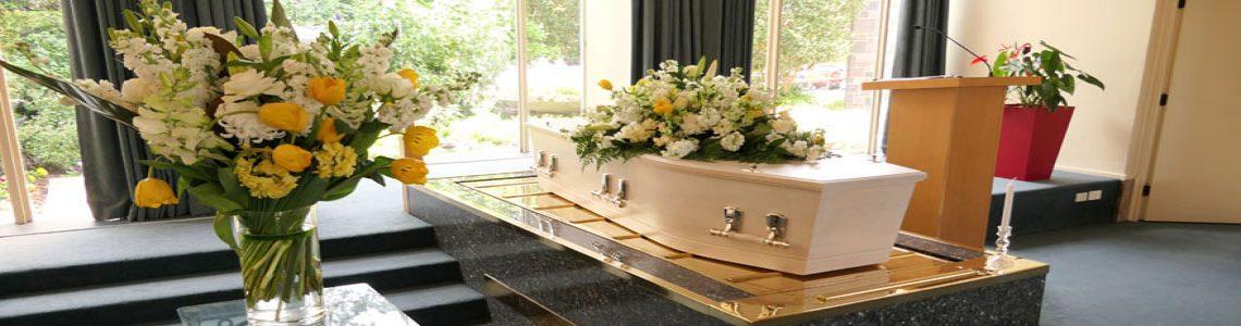 Qui doit organiser les obsèques ?